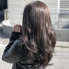デート アッシュ ロング パーマ ヘアスタイルや髪型の写真・画像