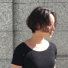 ナチュラル ショート アンニュイ 抜け感 ヘアスタイルや髪型の写真・画像