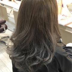 アッシュ セミロング グラデーションカラー ストリート ヘアスタイルや髪型の写真・画像