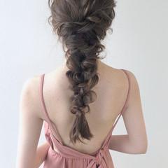 編みおろしヘア ナチュラル ヘアアレンジ ミディアム ヘアスタイルや髪型の写真・画像