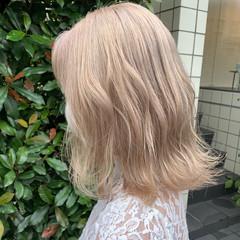 セミロング ハイトーン ハイトーンカラー ブリーチ必須 ヘアスタイルや髪型の写真・画像