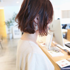 パーマ ベリーピンク ボブ フェミニン ヘアスタイルや髪型の写真・画像