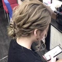 エレガント 結婚式 ヘアセット 切りっぱなしボブ ヘアスタイルや髪型の写真・画像