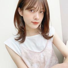 ミディアムレイヤー フェミニン レイヤーカット ミディアム ヘアスタイルや髪型の写真・画像