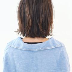 アウトドア レイヤーカット グラデーションカラー ボブ ヘアスタイルや髪型の写真・画像