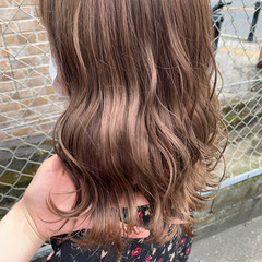 ラベンダー ピンクベージュ セミロング フェミニン ヘアスタイルや髪型の写真・画像