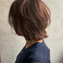 くびれボブ ニュアンスウルフ ウルフカット ナチュラルウルフ ヘアスタイルや髪型の写真・画像