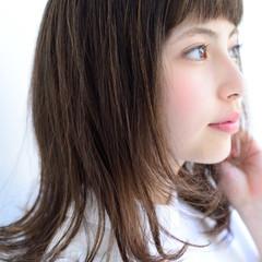 フェミニン ナチュラル 暗髪 ハイライト ヘアスタイルや髪型の写真・画像