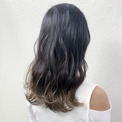 ロング グラデーションカラー グレージュ ミルクティーベージュ ヘアスタイルや髪型の写真・画像