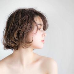 ボブ ナチュラル パーマ 色気 ヘアスタイルや髪型の写真・画像