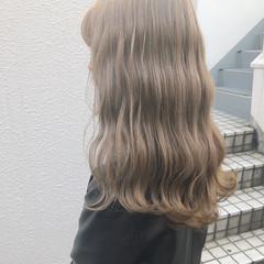 ナチュラル グレージュ ミルクティー アッシュ ヘアスタイルや髪型の写真・画像