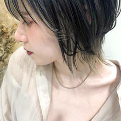 ショートレイヤー インナーカラー アンニュイほつれヘア ネオウルフ ヘアスタイルや髪型の写真・画像