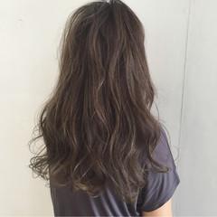 グラデーションカラー くせ毛風 ハイライト ストリート ヘアスタイルや髪型の写真・画像