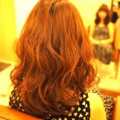 波ウェーブ 外国人風 ガーリー フェミニン ヘアスタイルや髪型の写真・画像