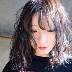 ラベンダーカラー ダークグレー ダークアッシュ ナチュラル ヘアスタイルや髪型の写真・画像