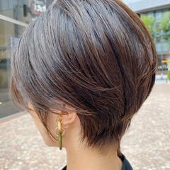 小顔 ショートヘア ハイライト ナチュラル ヘアスタイルや髪型の写真・画像