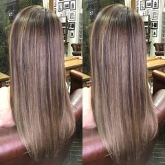グラデーションカラー アッシュ ハイライト ブラウン ヘアスタイルや髪型の写真・画像