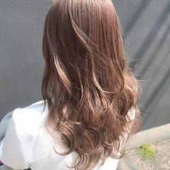 小顔ヘア フェミニン ロング ベージュ ヘアスタイルや髪型の写真・画像