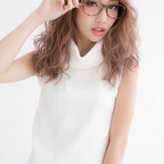 セミロング 渋谷系 グレージュ ガーリー ヘアスタイルや髪型の写真・画像