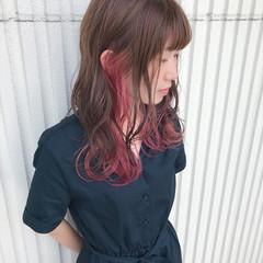 ウェーブ ヘアアレンジ インナーカラー ゆるふわ ヘアスタイルや髪型の写真・画像