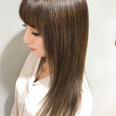 ミルクティー 艶髪 ベージュ ストレート ヘアスタイルや髪型の写真・画像