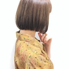 ボブ ワンレングス カーキアッシュ 切りっぱなしボブ ヘアスタイルや髪型の写真・画像