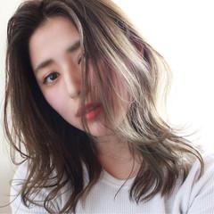 セミロング 前髪あり 透明感 ナチュラル ヘアスタイルや髪型の写真・画像