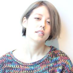 グレーアッシュ ブルージュ ショートボブ 外国人風 ヘアスタイルや髪型の写真・画像