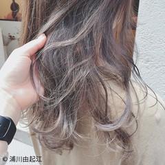 グラデーションカラー ゆるふわ 大人かわいい 外国人風 ヘアスタイルや髪型の写真・画像