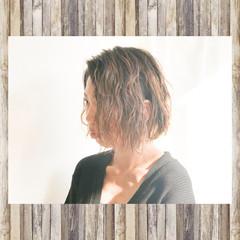 アッシュベージュ グラデーションカラー ナチュラル ハイライト ヘアスタイルや髪型の写真・画像