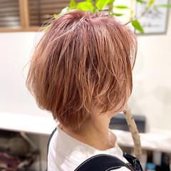 ショート ピンク ブリーチカラー ショートヘア ヘアスタイルや髪型の写真・画像