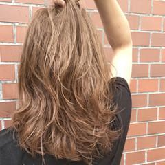 グレージュ レイヤーカット セミロング ストリート ヘアスタイルや髪型の写真・画像