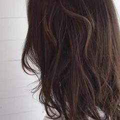 ハイライト こなれ感 小顔 エレガント ヘアスタイルや髪型の写真・画像