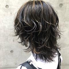 ネオウルフ ウルフカット ミディアム コントラストハイライト ヘアスタイルや髪型の写真・画像