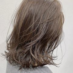 ミディアムレイヤー ミディアム 大人ハイライト ザックリ前髪 ヘアスタイルや髪型の写真・画像
