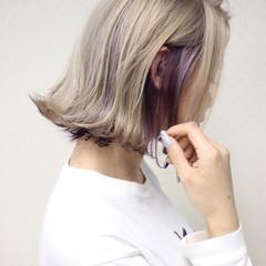 インナーカラー ボブ ストリート 切りっぱなしボブ ヘアスタイルや髪型の写真・画像