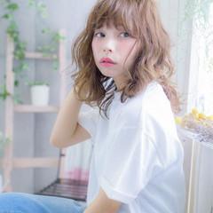 外国人風 アッシュ ハイライト ミディアム ヘアスタイルや髪型の写真・画像
