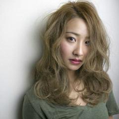 外国人風 セミロング ハイライト ブルージュ ヘアスタイルや髪型の写真・画像