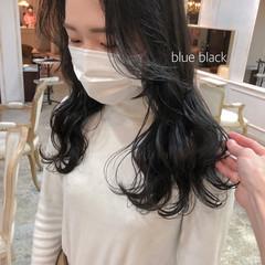 アッシュグレー ロング ブルーブラック エレガント ヘアスタイルや髪型の写真・画像