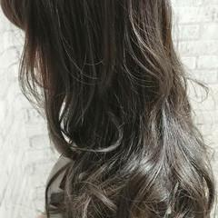 グレージュ ラベンダーアッシュ ナチュラル セミロング ヘアスタイルや髪型の写真・画像