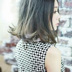 ガーリー 暗髪 グラデーションカラー アッシュ ヘアスタイルや髪型の写真・画像