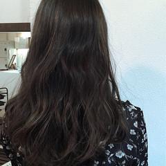 暗髪 カーキアッシュ ストリート グレージュ ヘアスタイルや髪型の写真・画像