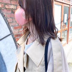 ミディアム ショートヘア フェミニン ミルクティーベージュ ヘアスタイルや髪型の写真・画像