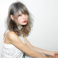 ハイライト グラデーションカラー レイヤーカット セミロング ヘアスタイルや髪型の写真・画像