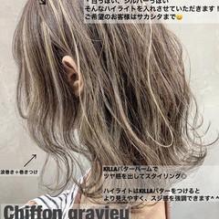 ミディアム ハイライト グレージュ グラデーションカラー ヘアスタイルや髪型の写真・画像