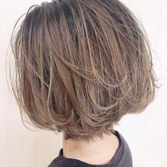 シアーベージュ イルミナカラー ベージュ 大人可愛い ヘアスタイルや髪型の写真・画像