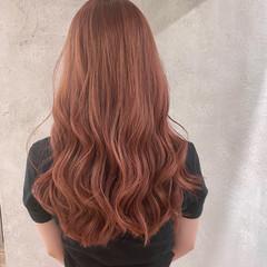 インナーカラー ピンクアッシュ ピンクベージュ ナチュラル ヘアスタイルや髪型の写真・画像