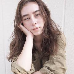 ストリート 冬 外国人風 ロング ヘアスタイルや髪型の写真・画像