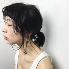 ナチュラル 外ハネ 黒髪 簡単ヘアアレンジ ヘアスタイルや髪型の写真・画像