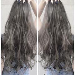 渋谷系 ロング アッシュ グレー ヘアスタイルや髪型の写真・画像